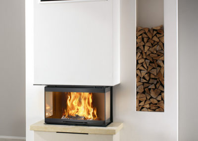 Caminetto a legna con fuoco visibile su tre lati TECH 3 Caminetti Montegrappa_aredilizia